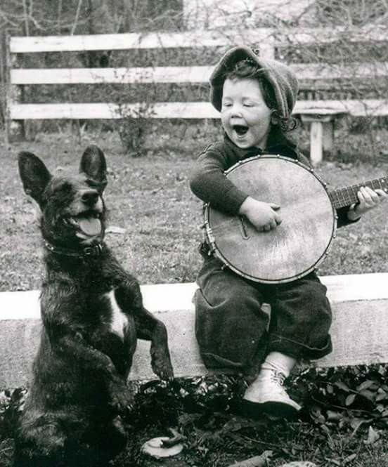boy-dog-banjo